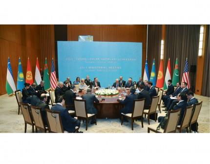 Госсекретарь США Майкл Помпео прибыл вУзбекистан