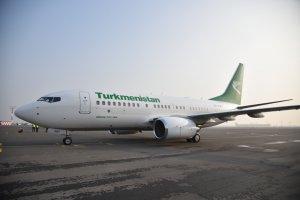 Türkmenistanyň Prezidenti uçarda iş maslahatyny geçirdi