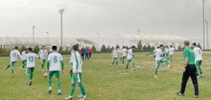 Türkmenistanyň futbol ýygyndysy iki günlük okuw-türgenleşik ýygnanyşygyny geçýär