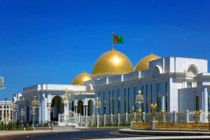 Berdimuhamedow tejribeli atbakara «Türkmenistanyň halk atşynasy» diýen ady dakdy