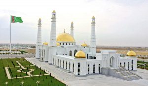 The President of Turkmenistan opened the main mosque of the Balkan velayat