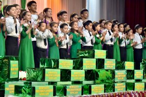 Pupils of the Palace of orphans received gifts from the President of Turkmenistan