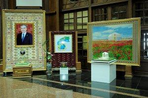 Государственный музей Туркменистана проводит выставку «Пришёл Новруз в счастливый край»